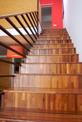Obklad schodů třívrstvými parketami